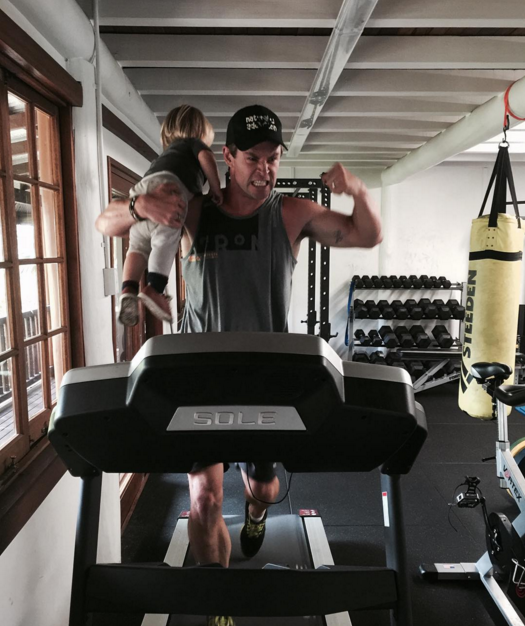 Instagram @chrishemsworth